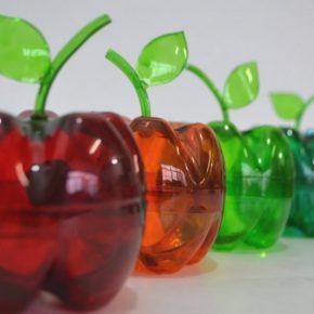 Поделки из пластиковых бутылок — 100 фото интересных идей и варианты использования пластиковой тары для поделок